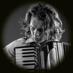 MARTIN KUDRNA – Piano, accordion and musical arrangements